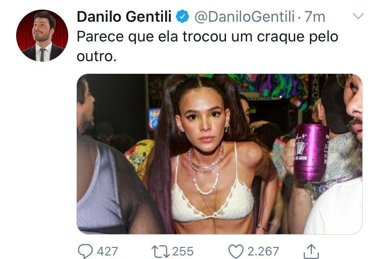 """Danilo Gentili é detonado após piada com Bruna Marquezine: \""""Trocou um craque por outro\"""""""