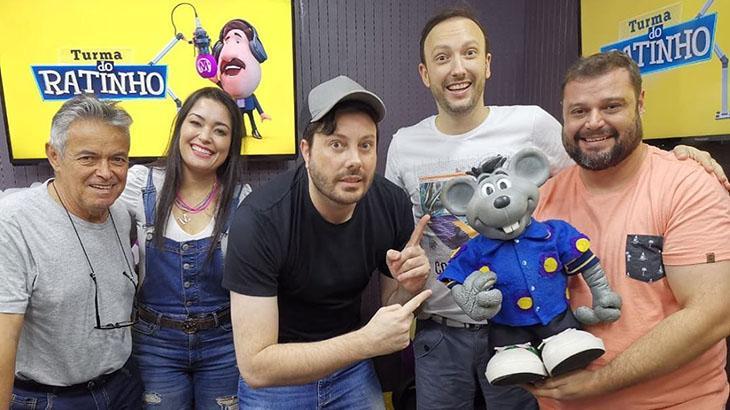 Danilo Gentili no programa Turma do Ratinho, na Massa FM