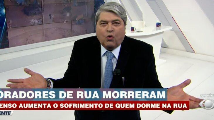 Datena irritado de braços abertos durante o Brasil Urgente