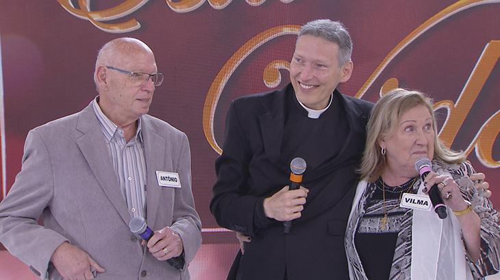 """Hoje: \""""Domingo Legal\"""" faz homenagem ao Padre Marcelo Rossi"""