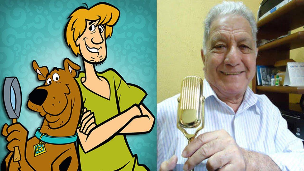 Ilustração de Salsicha com Scooby-Doo; Mário Monjardim segurando um troféu