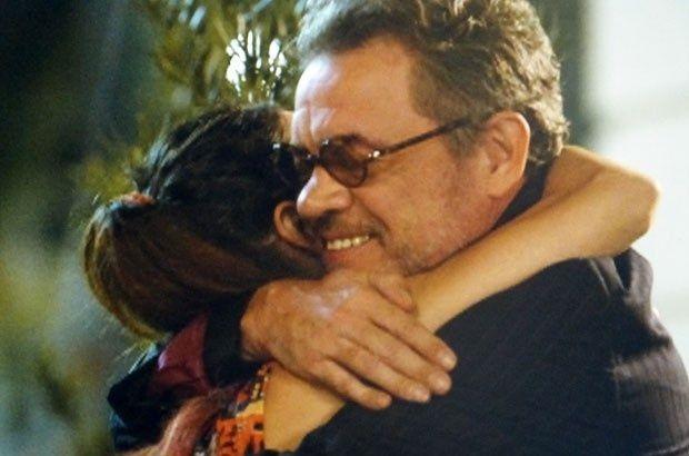 Duque e Amaralina se abraçando