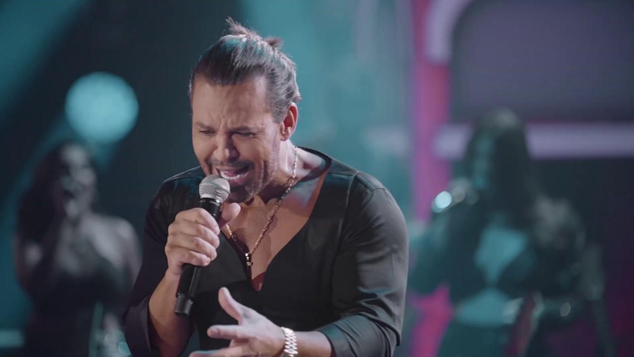 O cantor Eduardo Costa