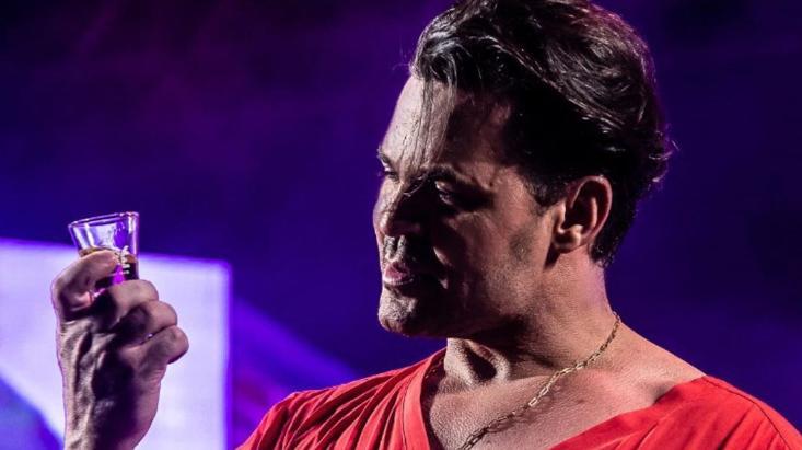 Eduardo Costa faz sucesso no mundo da música sertaneja e é bastante polêmico.