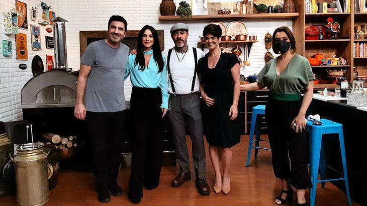 Edu Guedes, Larissa Erthal, Henrique Fogaça, Mariana Godoy e Cátia Fonseca em evento da Band para anunciantes