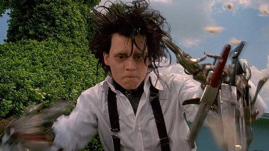 Johnny Depp como Edward Mãos de Tesoura
