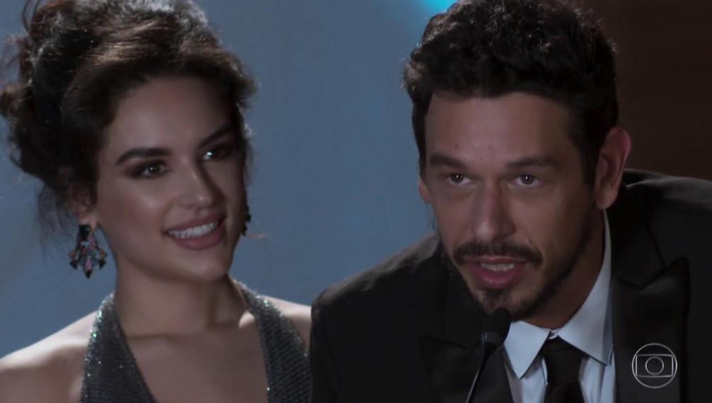 Kéfera e o ator João Vicente de Cas