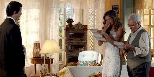 Flor do Caribe: Ester perde a guarda da filha e se humilha para Alberto