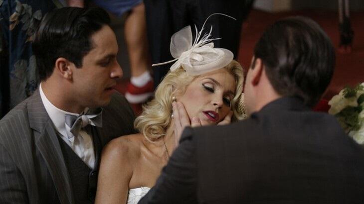 Êta Mundo Bom: Ernesto é desmascarado em pleno casamento com Sandra
