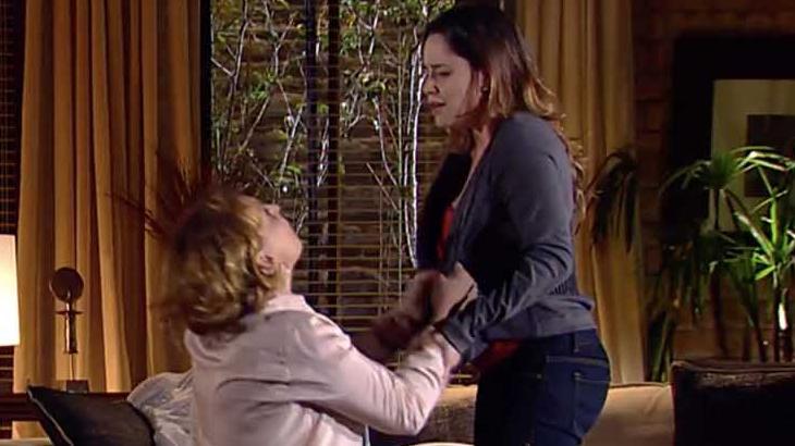 A Vida da Gente: De joelhos, Eva implora para Ana tomar decisão