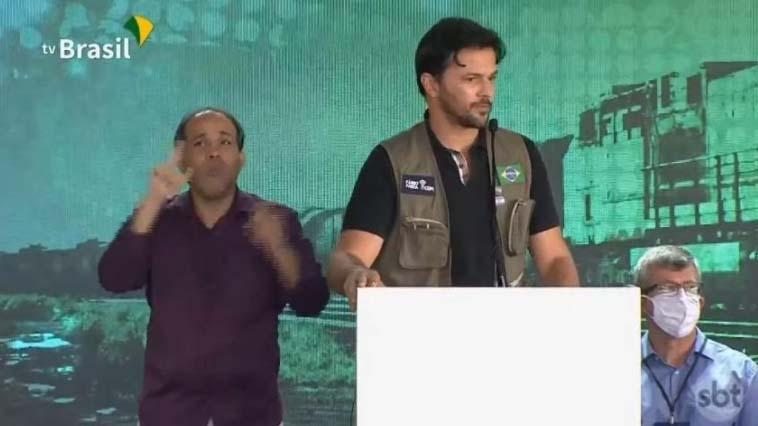Fábio Faria em discurso