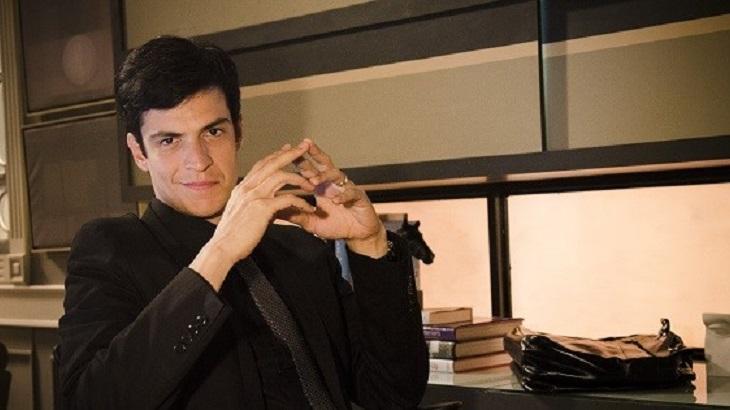 Mateus Solano como Félix