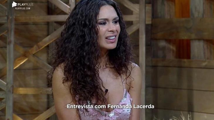 Fernanda Lacerda chorando