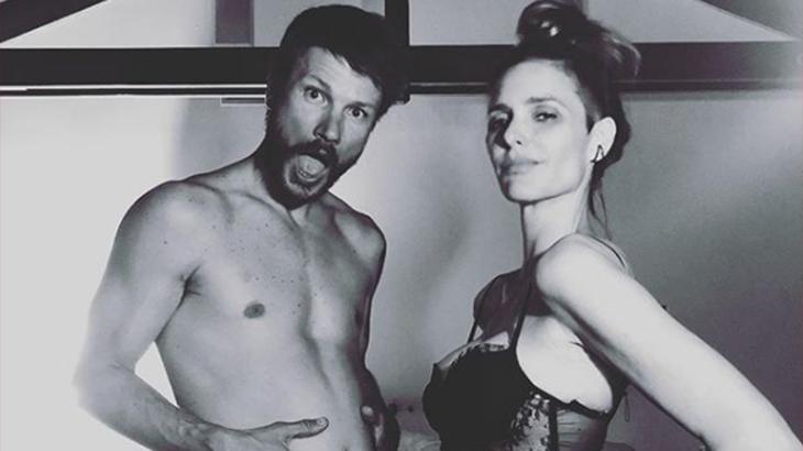 Fernanda Lima e Rodrigo Hilbert em foto preto-e-branco