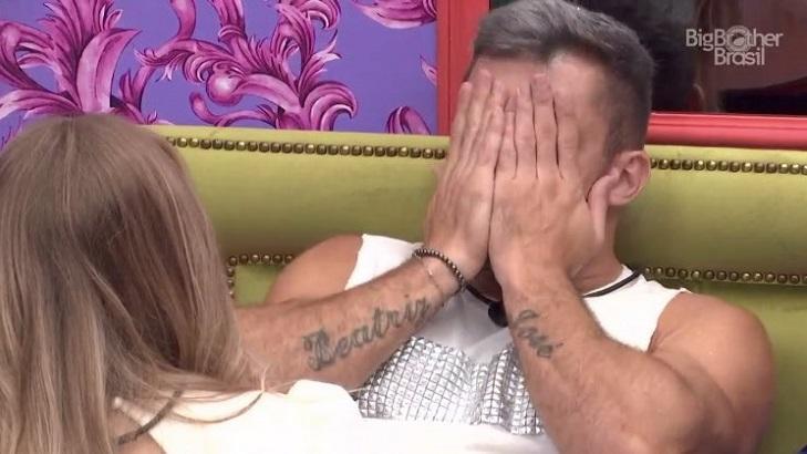 Arthur chorando no BBB21