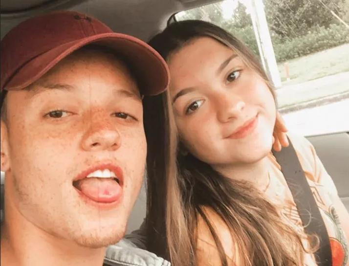Filha de Gugu assume romance e compartilha foto ao lado do namorado