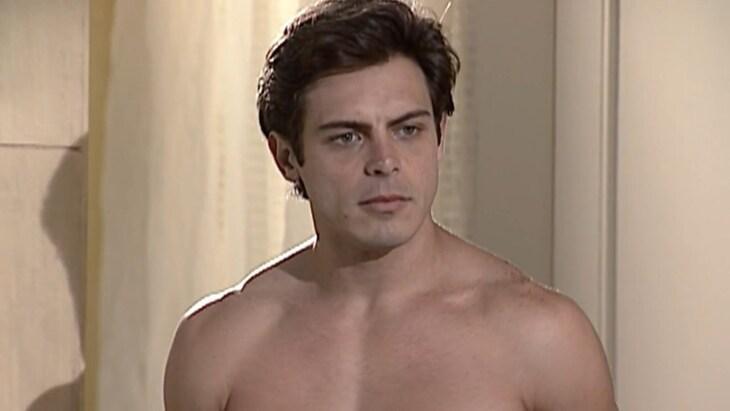 """Luigi Baricelli recebe nudes por cenas em Laços de Família: \""""Escrevem que são a Capitu\"""""""