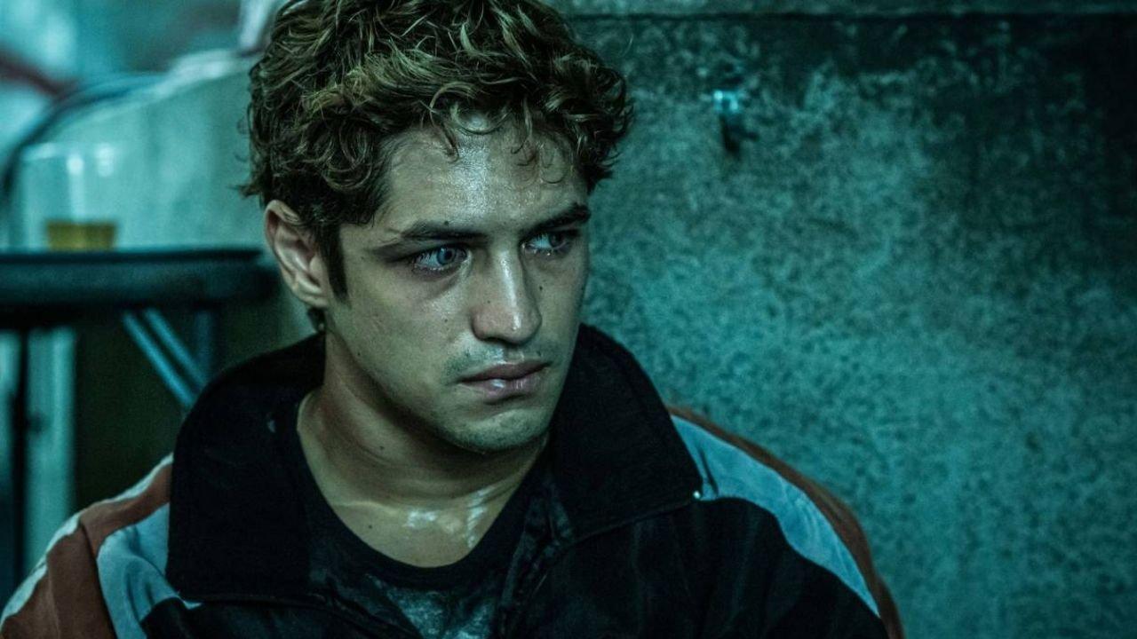 Gabriel Leone como Dom