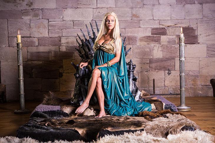 """Paródia adulta de """"Game Of Thrones"""" estreia no Brasil"""