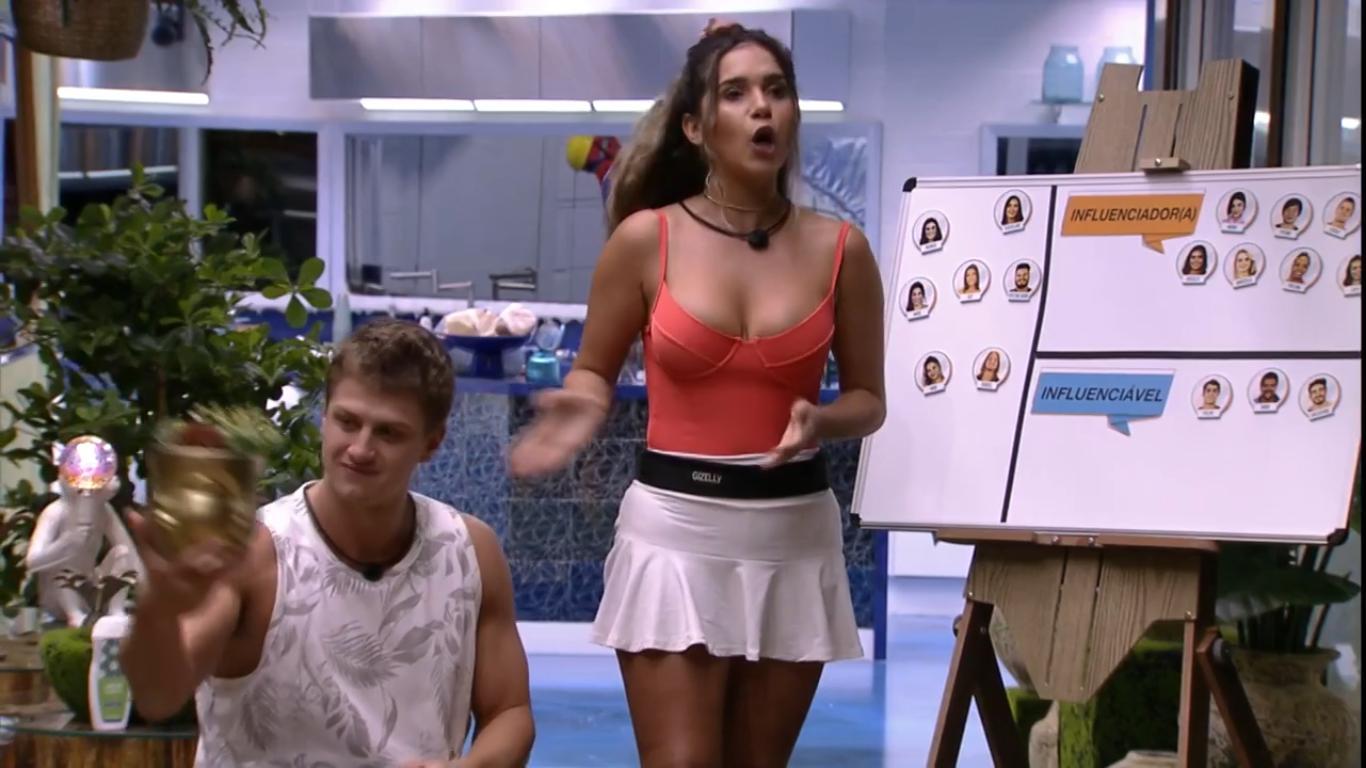 Lucas e Gizelly durante o Jogo da Discórdia no BBB20