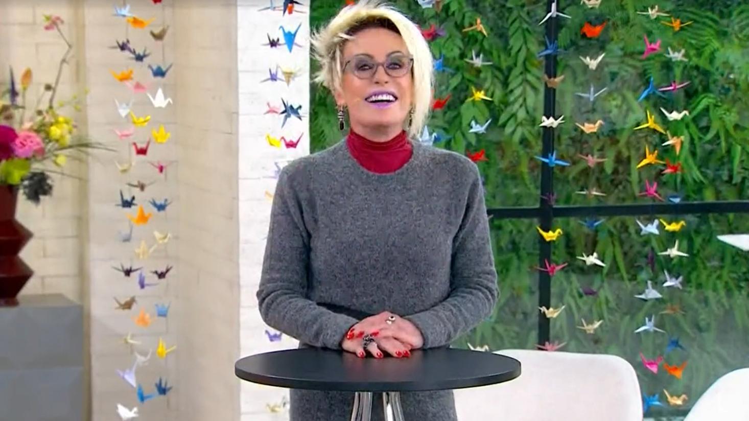 Ana Maria Braga sorrindo na volta à Globo