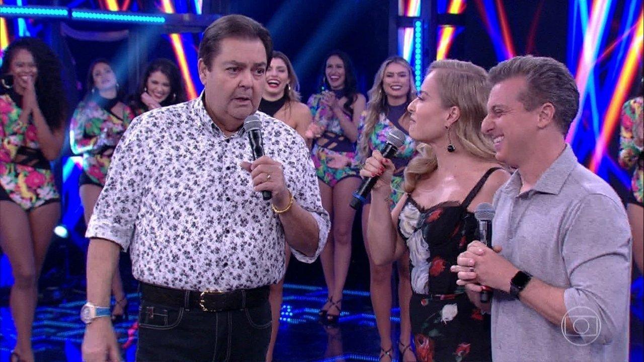 Globo festeja Faustão fora dos domingos na Band