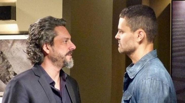 Cena de Império com José Alfredo e Maurílio se olhando de frente