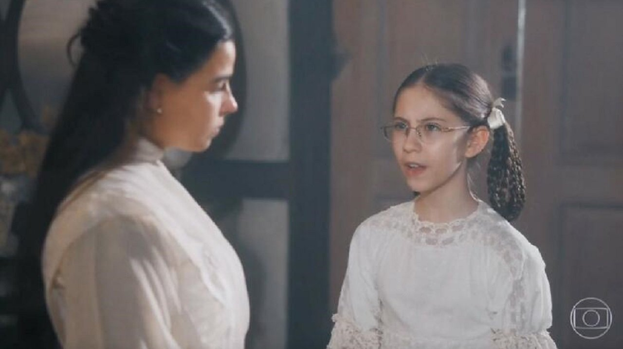 Cena de Nos Tempos do Imperador com Dolores e Pilar conversando