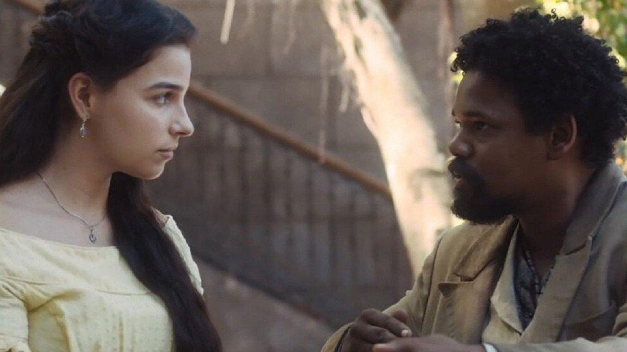 Cena de Nos Tempos do Imperador com Pilar e Samuel se olhando