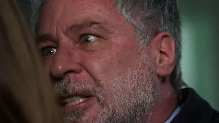 """Salve-se Quem Puder: Hugo tira a máscara e tortura Helena: \""""Você é doente\"""""""