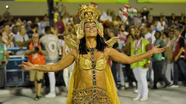 Paolla Oliveira como rainha de bateria da Grande Rio