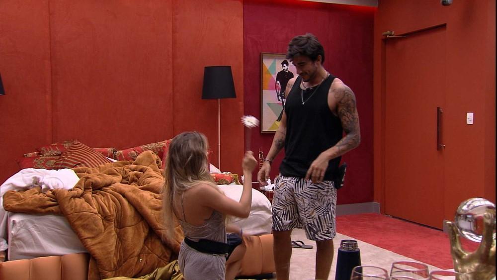 Gabi pediu Guilherme em namoro no BBB20 e ele aceitou