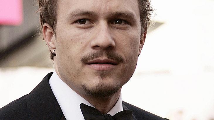 Escolha de Heath Ledger para o papel de Coringa foi questionada, diz co-roteirista