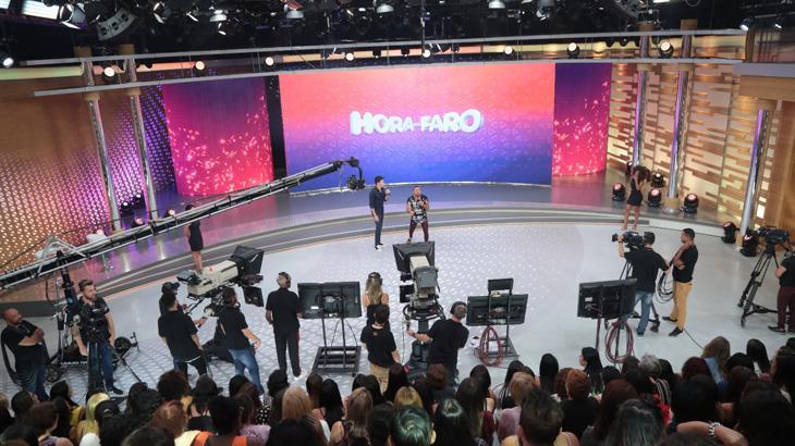 De contrato renovado na Record TV, Rodrigo Faro ganha novo cenário; veja foto
