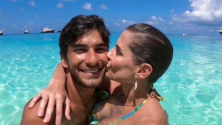 Deborah Secco revela detalhe da intimidade com marido no É de Casa