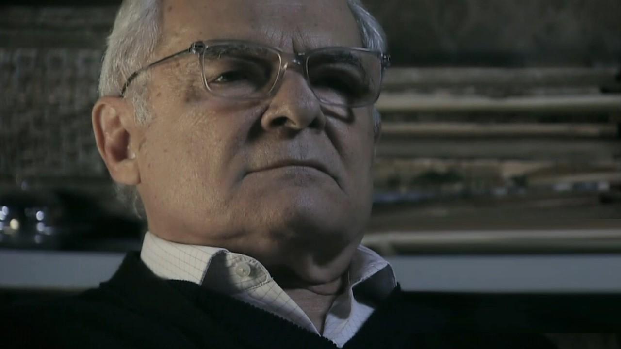 Othon Bastos como o mordomo Silviano em cena da novela Império, em reprise na Globo