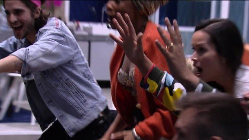 BBB21 estreia a mil com prova, imunidade e Projota vidente