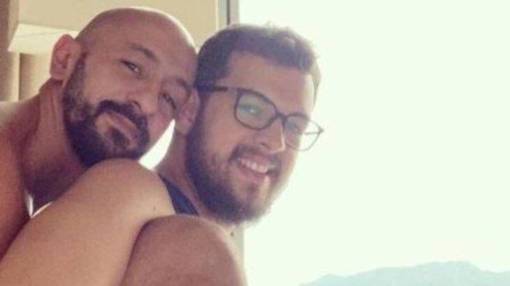 Selfie de Irandhir Santos e marido Roberto Efrem Filho