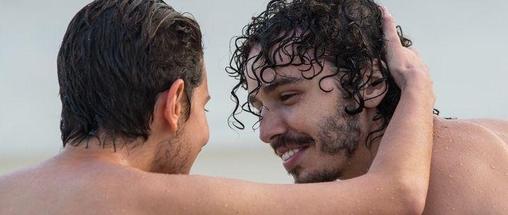 A Força do Querer: Ivan beija Claudio e reação surpreende