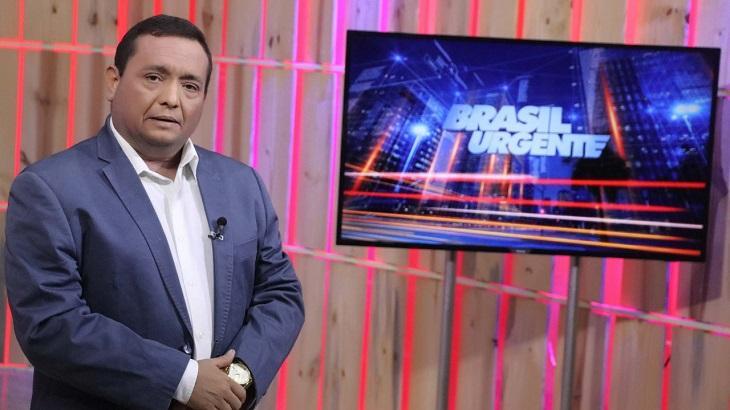 Jacson Damasceno apresentando o Brasil Urgente