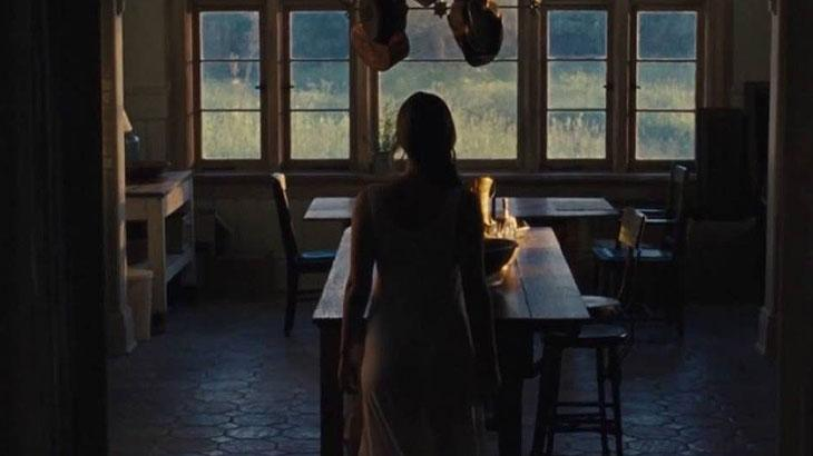 """Jennifer Lawrence se machucou durante filmagens do thriller \""""Mãe\"""""""