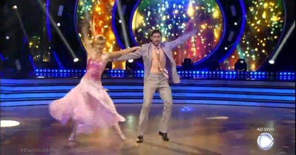 """Apresentar o \""""Dancing Brasil\"""" vestida de Marilyn Monroe não foi o suficiente para Xuxa vencer SBT"""