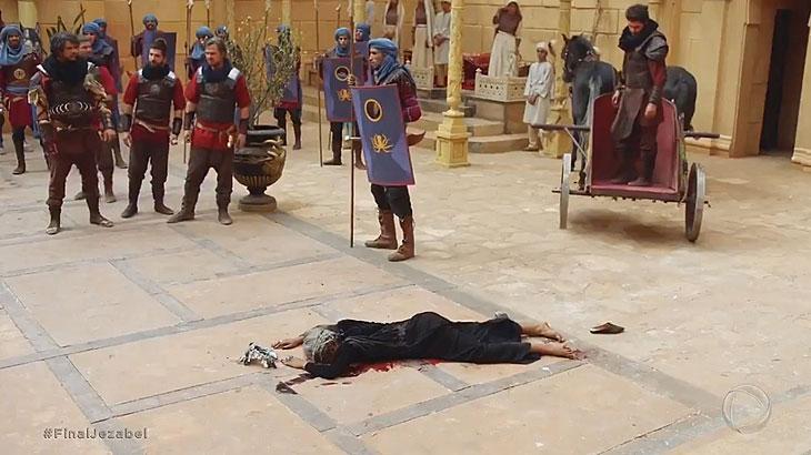 """Com fim cruel da rainha, """"Jezabel"""" repercute na web"""