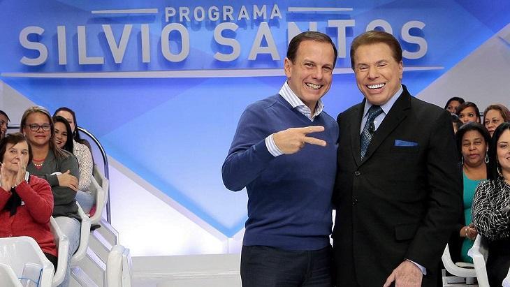 João Dória abraçado com Silvio Santos