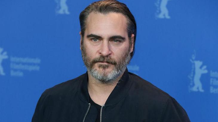 Filme sobre o Coringa pode reunir Robert De Niro e Joaquin Phoenix no elenco