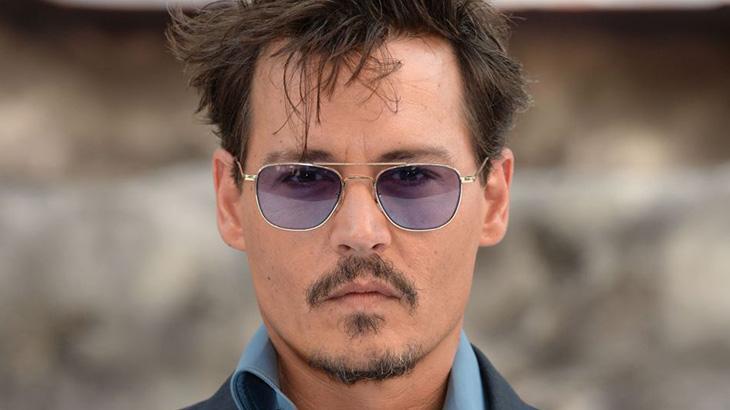 Johnny Depp de óculos