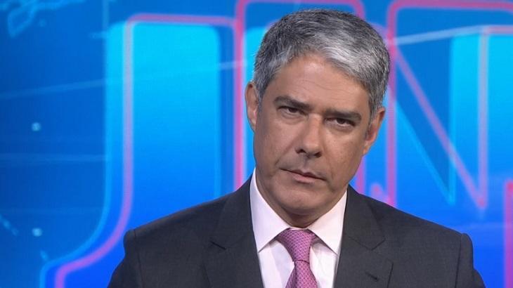 William Bonner na bancada do Jornal Nacional