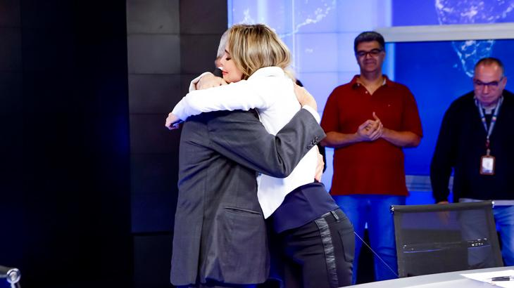 Joseval Peixoto é ovacionado e recebe homenagens após despedida do SBT