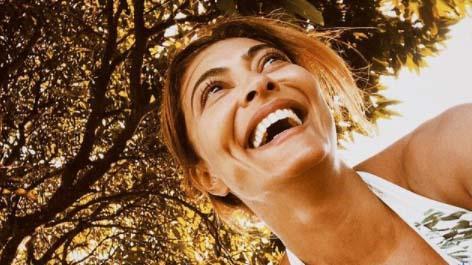 Juliana Paes sorrindo