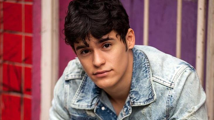 O ator Júlio Oliveira